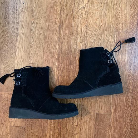 UGG Shoes | Black S Size 6 | Poshmark